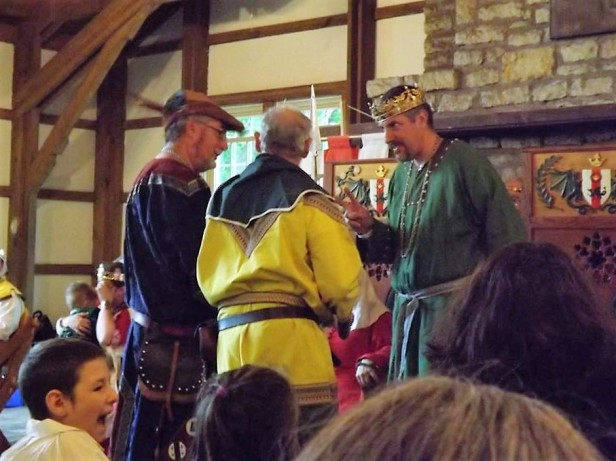 aelfric-the-archer-from-toronto-mka-robert-ferguson-accepts-his-kings-challenge-award-red-dragon-2016