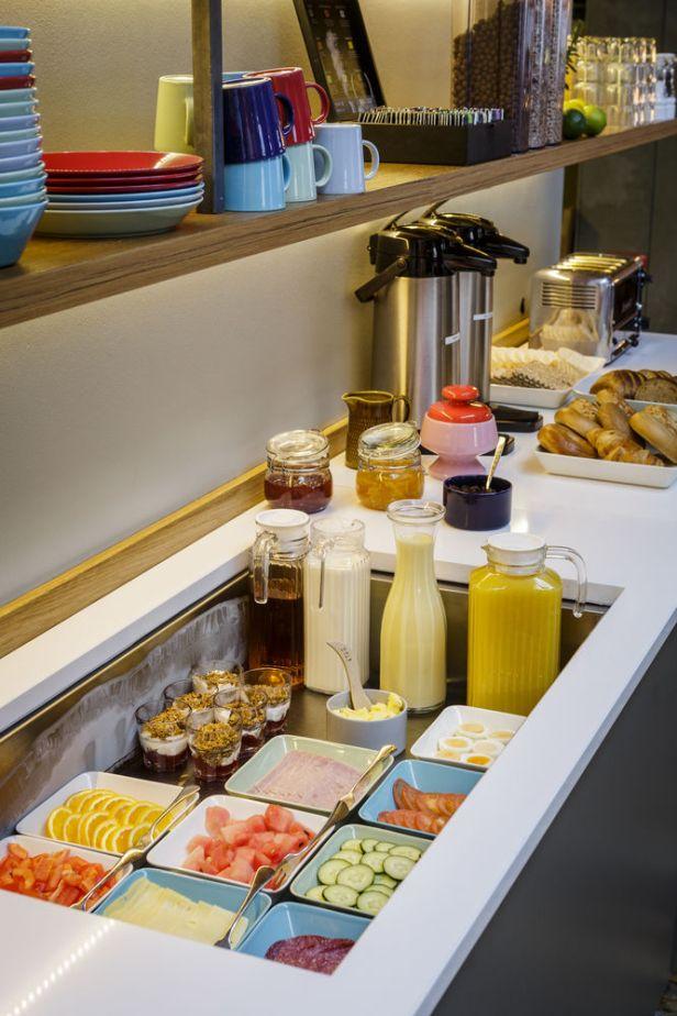 loft-hostel-breakfast-offerings