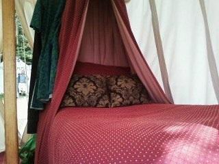 Claude-Wayne Cossin's Pennsic bed