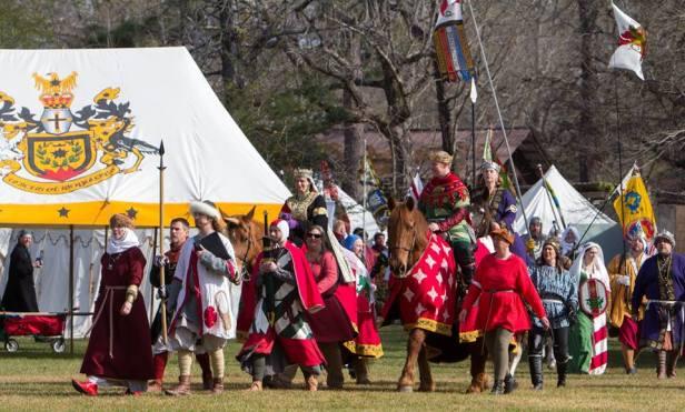 Gulf Wars 2018 equestrian processional, Jesse and Vuk